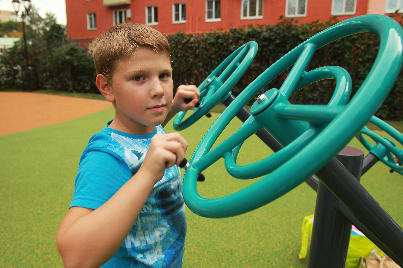 Спортивные и детские площадки оборудуют в деревнях Кленовского