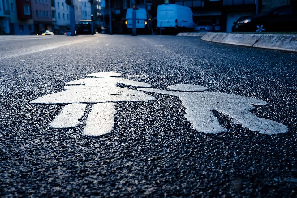 Безопасность на дорогах: разметку нанесли на проезжей части в Сосенском