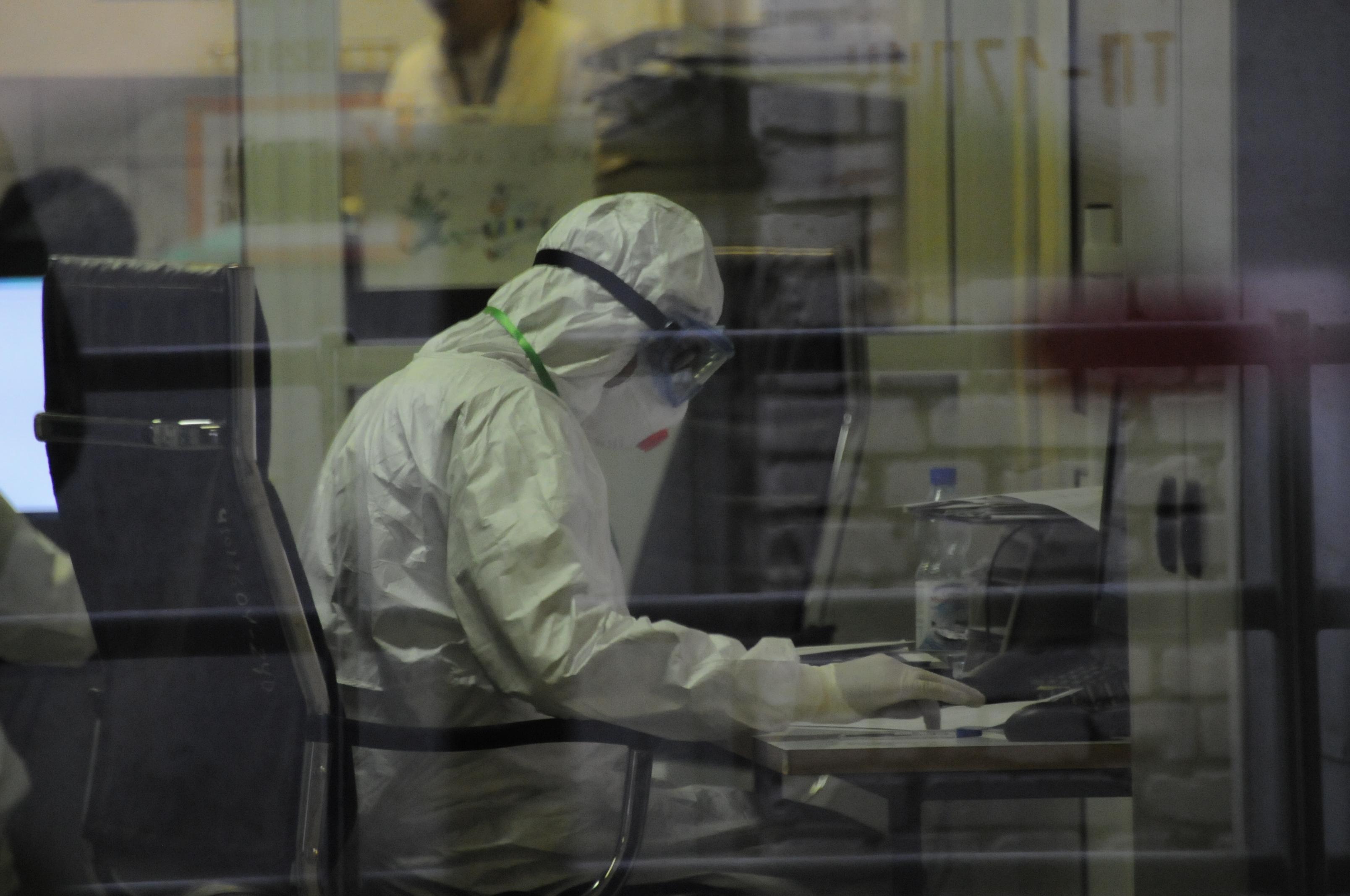 Более 800 новых случаев коронавирусной инфекции зафиксировали в столичном регионе