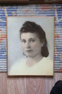 Нина Анатольевна Савельева во время войны оказалась в поселке Белушья Губа на Новой Земле, где прожила полтора года. Фото: из личного архива