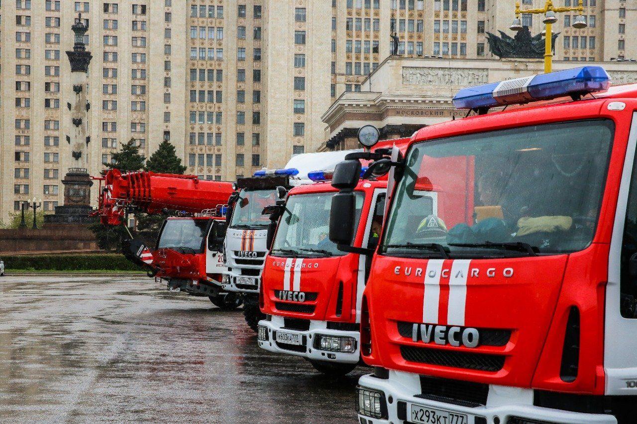 Двенадцать лет с момента создания исполнилось Пожарно-спасательному центру Москвы