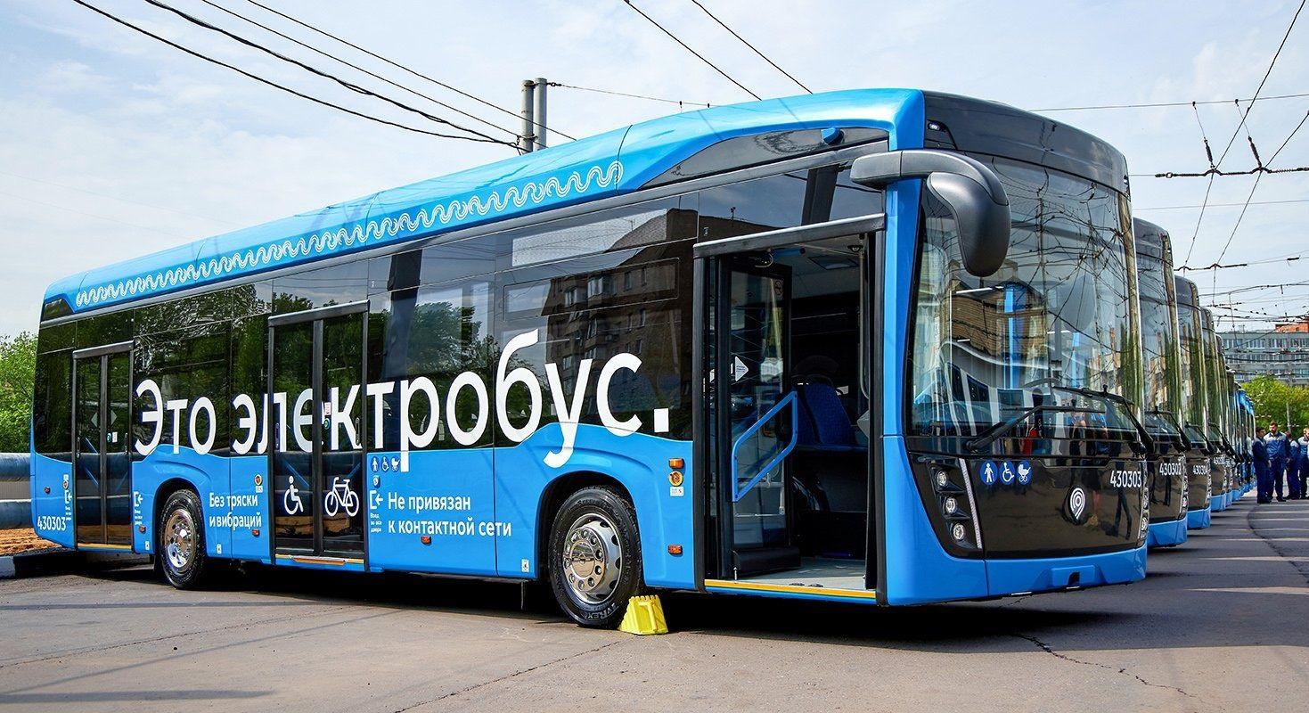 Депутат Мосгордумы Олег Артемьев отметил необходимость увеличения столичного парка электробусов Фото: сайт мэра Москвы