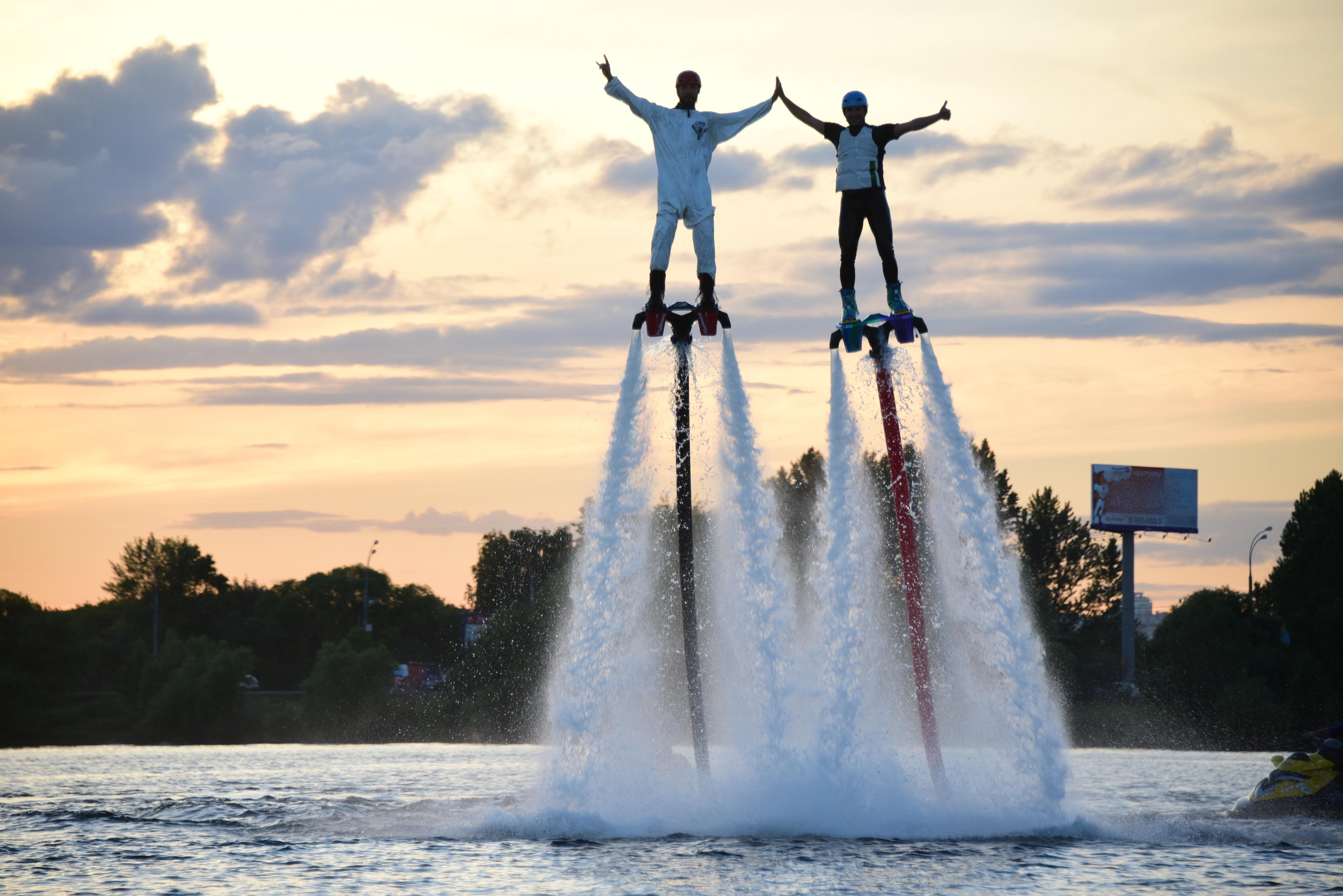 Сапсерферы и флайбордисты выступят на Водоотводном канале в Москве