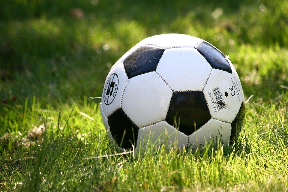 Третье место на окружных соревнованиях по футболу заняли юноши из Десеновского