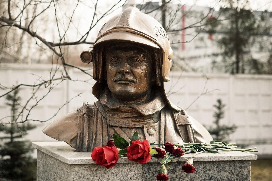 Мы помним подвиг героя Евгения НиколаевичаЧернышева!