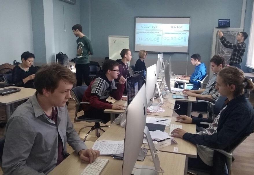 Школьник из Московского занял второе место на чемпионате «Молодые профессионалы»