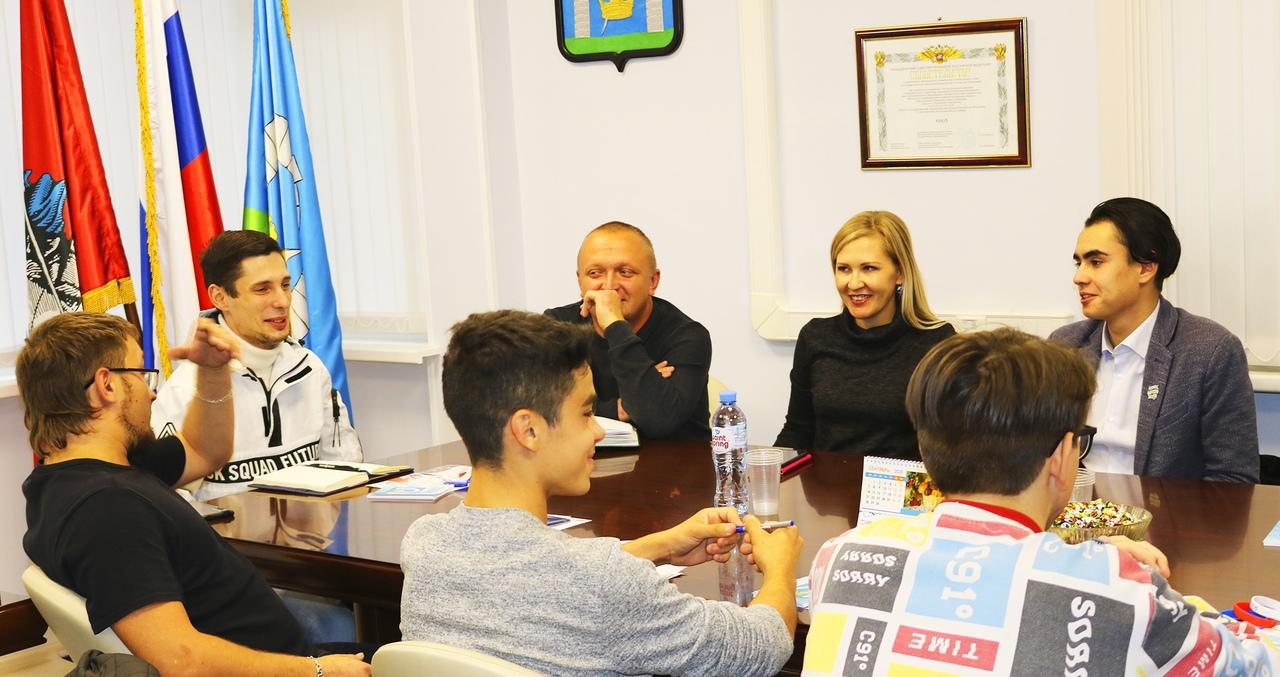 Круглый стол молодых парламентариев состоялся в Рязановском