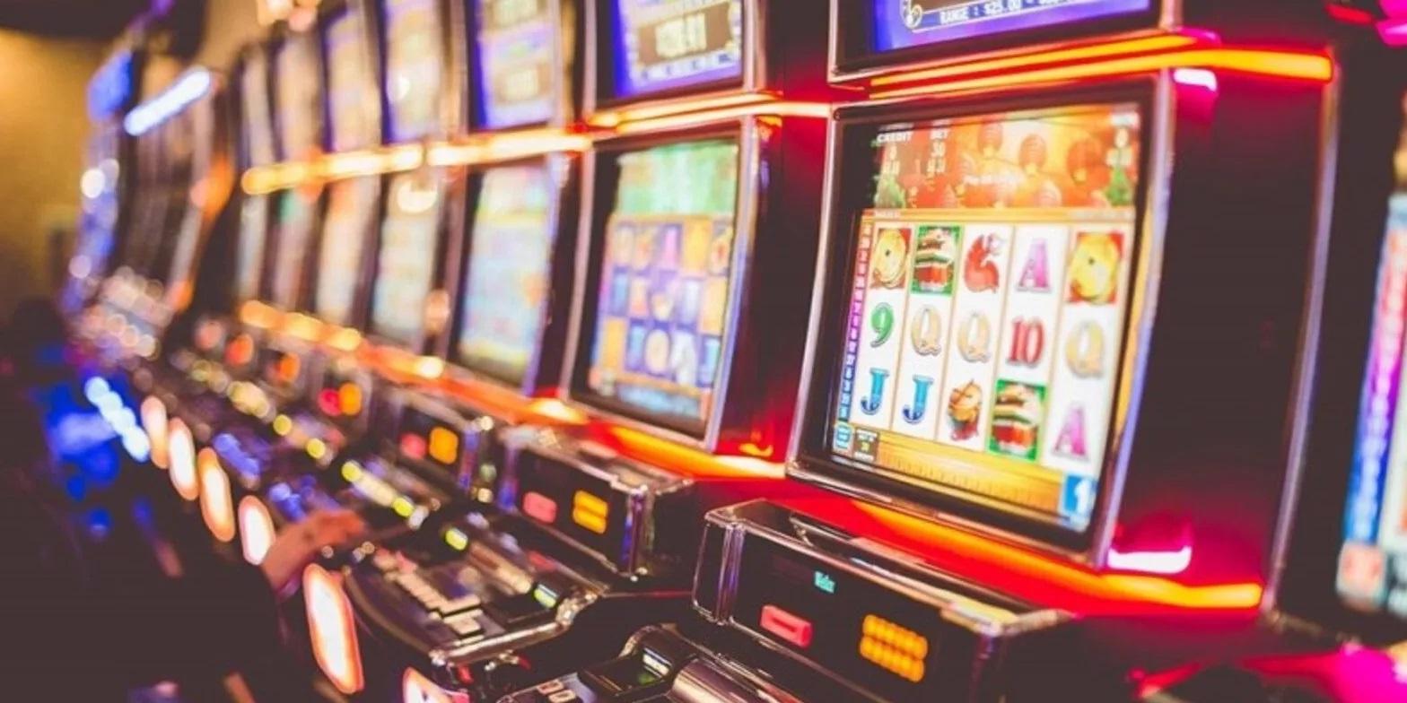 Более 200 единиц оборудования нелегальных казино утилизировано в Москве