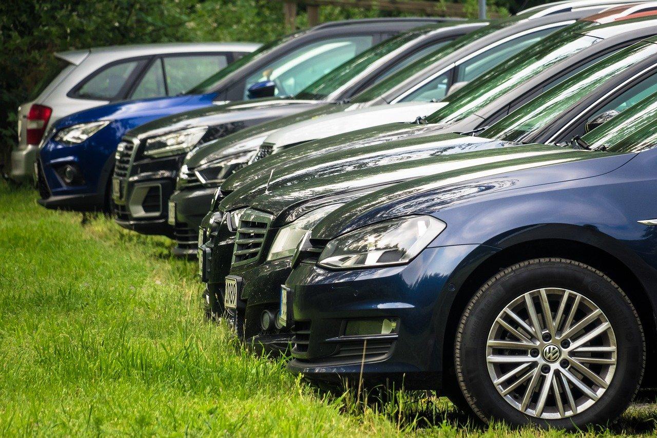 Бесплатную парковку организуют в Ватутинках на месте самостроя