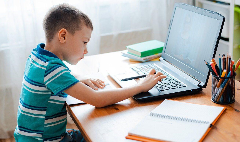 В столичном отделении «ЕР» рассказали об итогах благотворительной акции «Собери ребенка в школу»