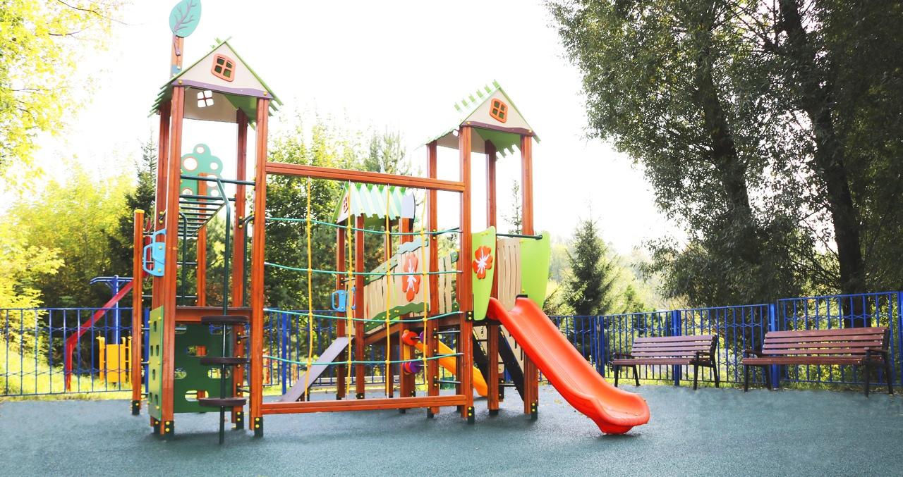 Детскую игровую площадку благоустроили в Рязановском