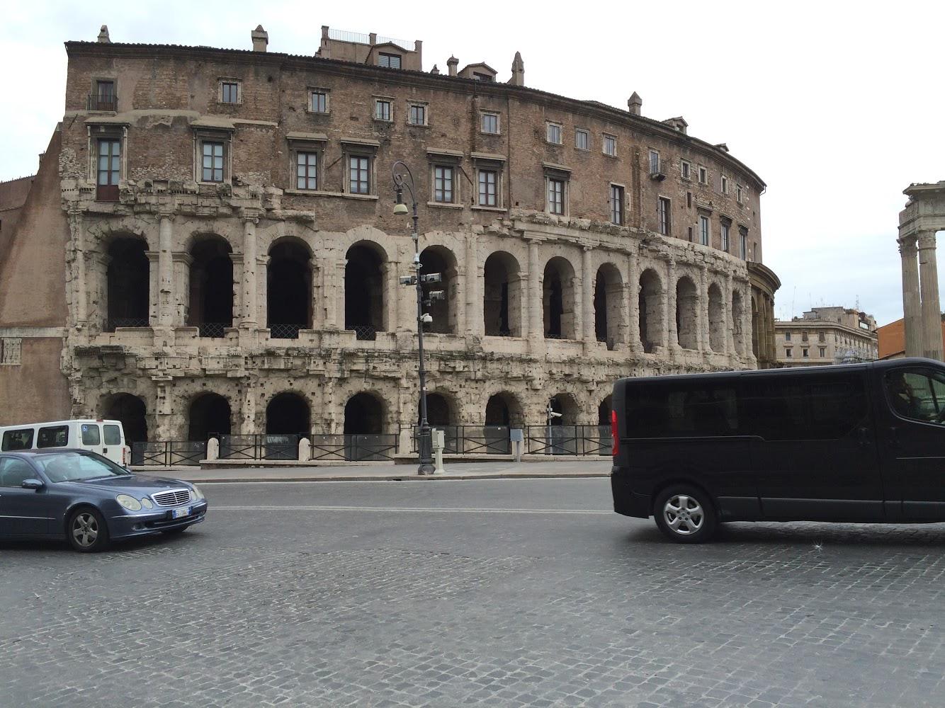 Режим чрезвычайной ситуации из-за COVID-19 продлится в Италии до конца года