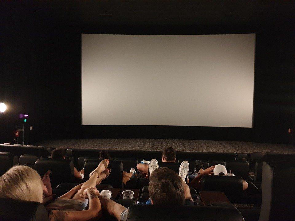 Успеть посмотреть: кинопаркинг у станции метро «Филатов луг» проработает до конца октября