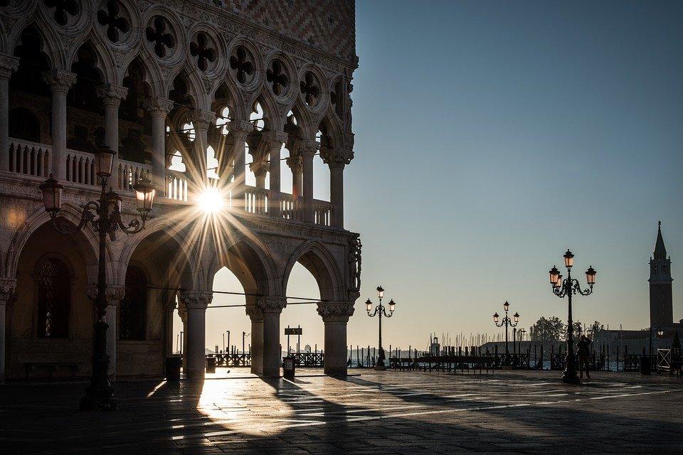 Участникам расскажут о красоте Венеции и Неаполя. Фото: pixabay.com
