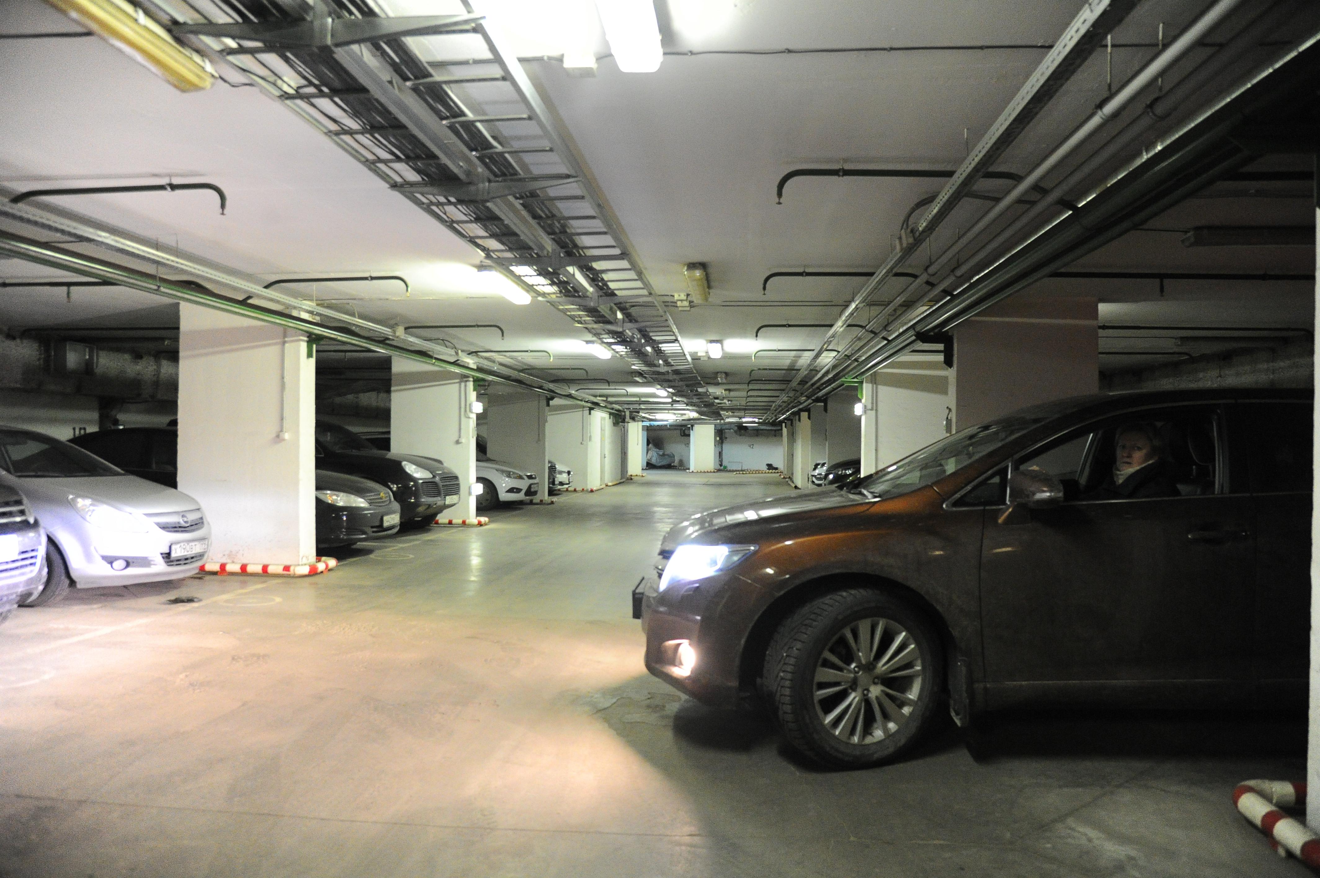 Парковку на 300 мест откроют в Московском до конца года