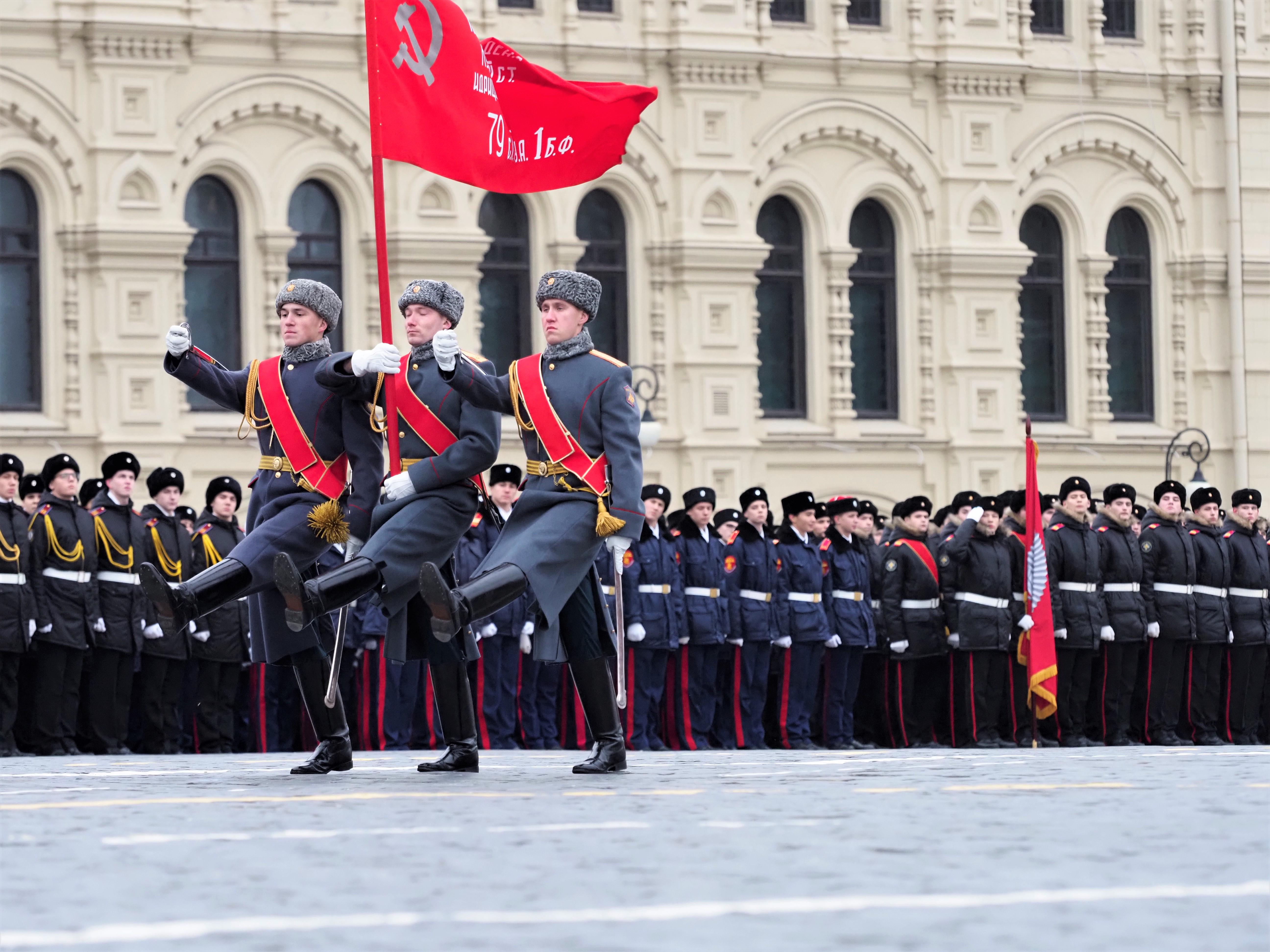Программу к годовщине Парада на Красной площади проведут в Филимонковском