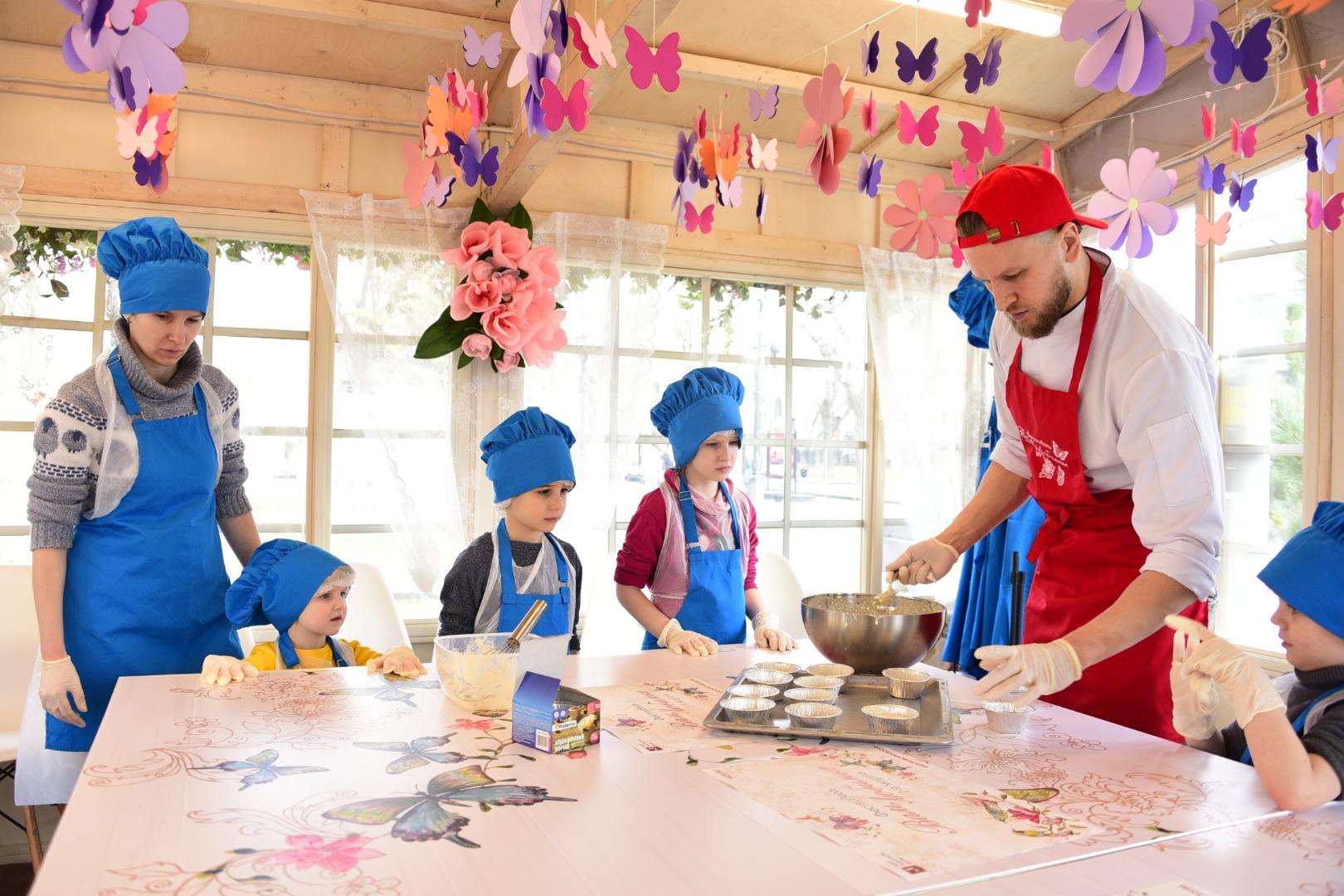 Пальчики оближешь: москвичей пригласили на кулинарный урок в Дом культуры «Десна»
