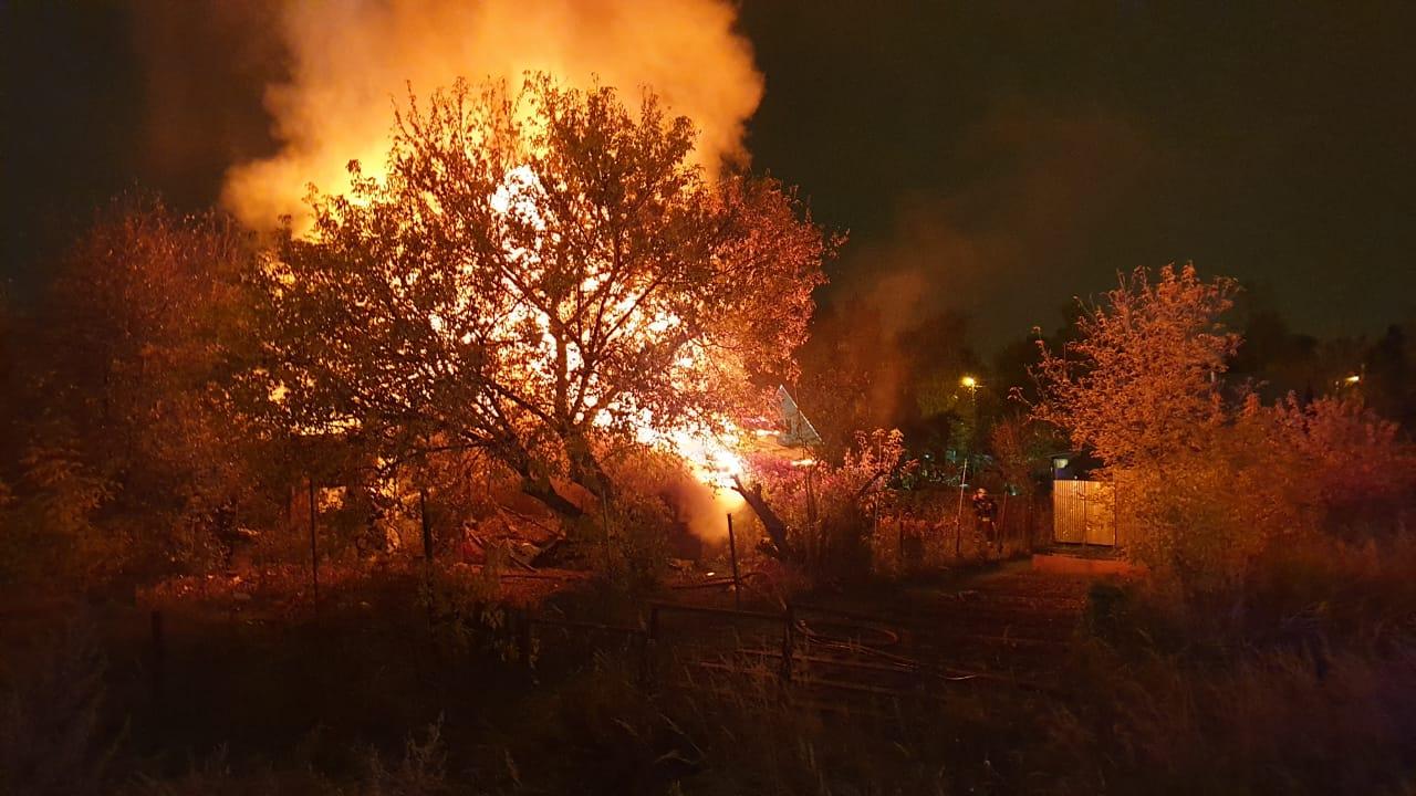 Всегда начеку: пожарные ПСО№ 308 «ГКУ ПСЦ» спасли человека из горящего дома