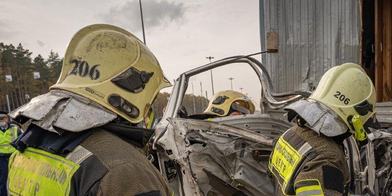 Пожарные ТиНАО предупреждают о необходимости строго соблюдать правила пожарной безопасности в осенне-зимний период