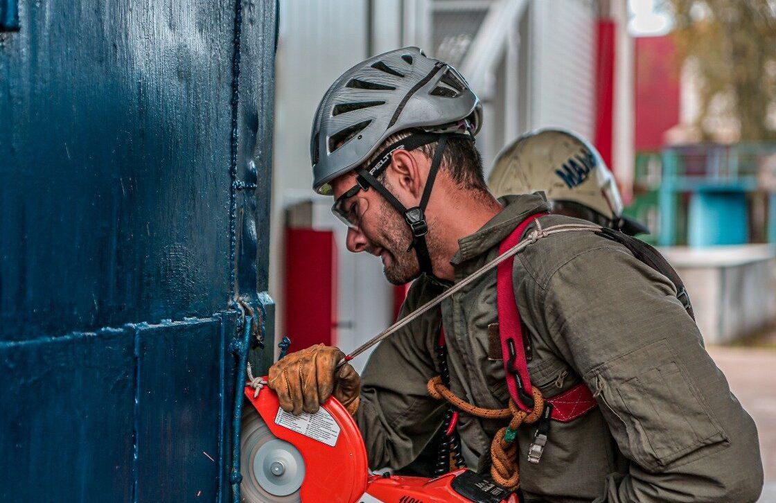 В преддверии Дня спасателя в Департаменте ГОЧСиПБ расскажут о лучших в профессии