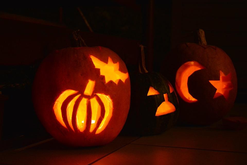 Тематический онлайн-урок к Хэллоуину прошел в Культурном центре «Ватутинки»