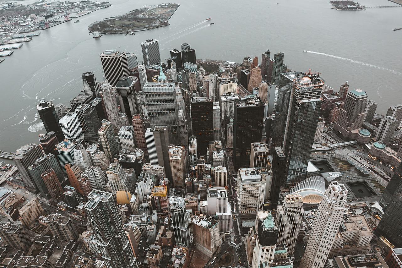 В Нью-Йорке вновь готовятся ужесточить санитарные меры и ограничения из-заCOVID-19