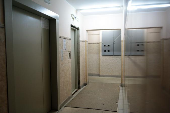 Умная система поможет обеззаразить кабину лифта от коронавируса. Фото: Анна Иванцова, «Вечерняя Москва»