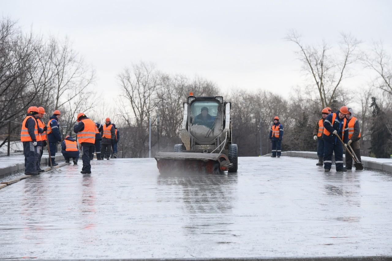 Свыше 9,5 тысячи единиц техники ликвидируют последствия снегопада в Москве