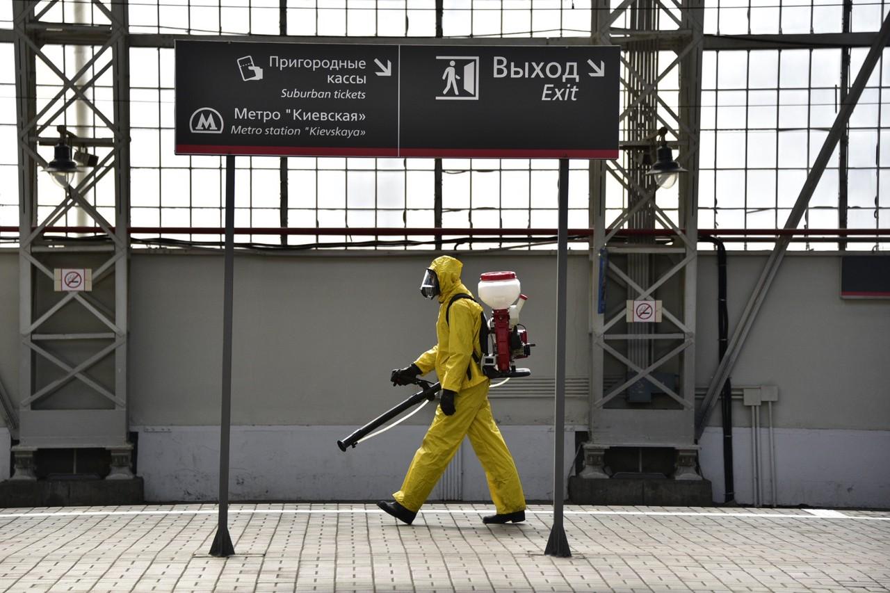 Борьба с инфекцией продолжается. Фото: Пелагия Замятина
