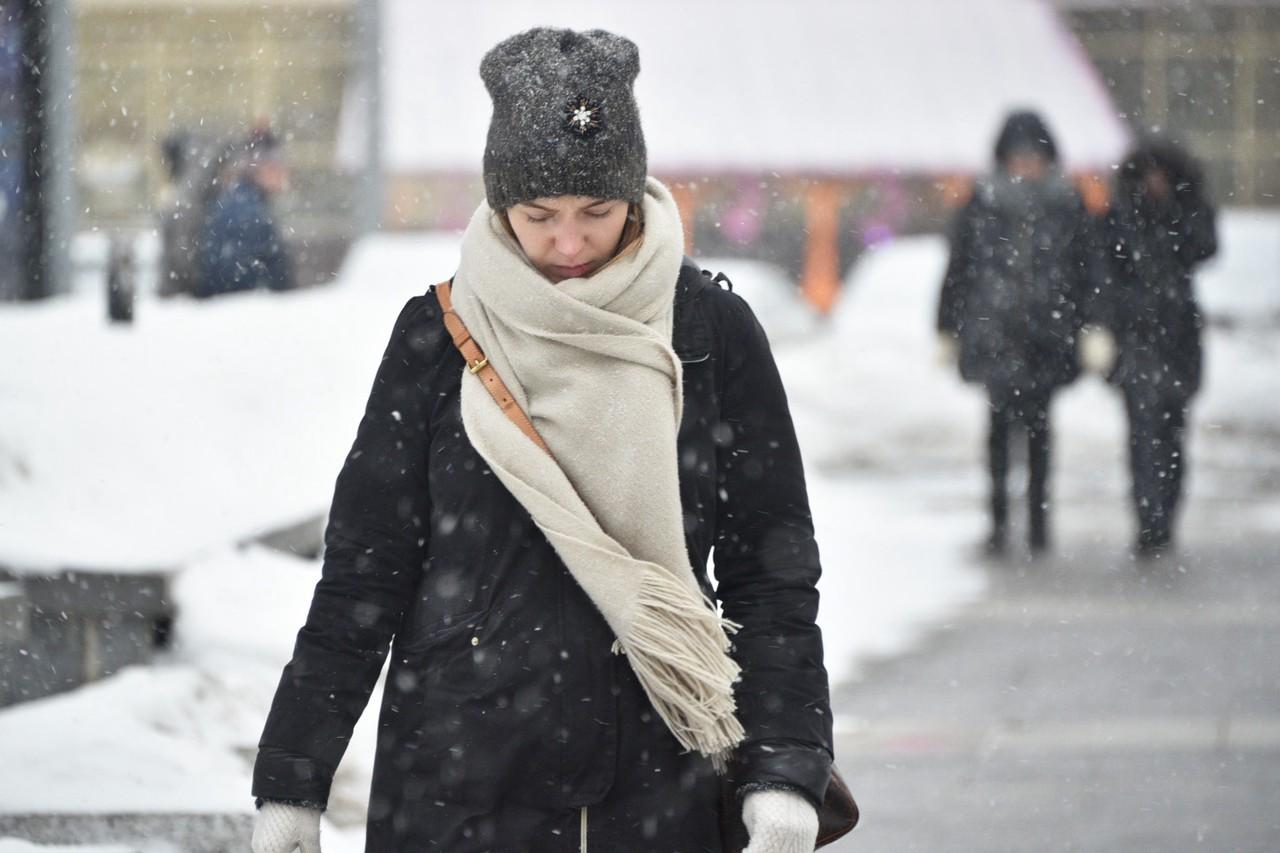 Москвичам пообещали мокрый снег и гололедицу