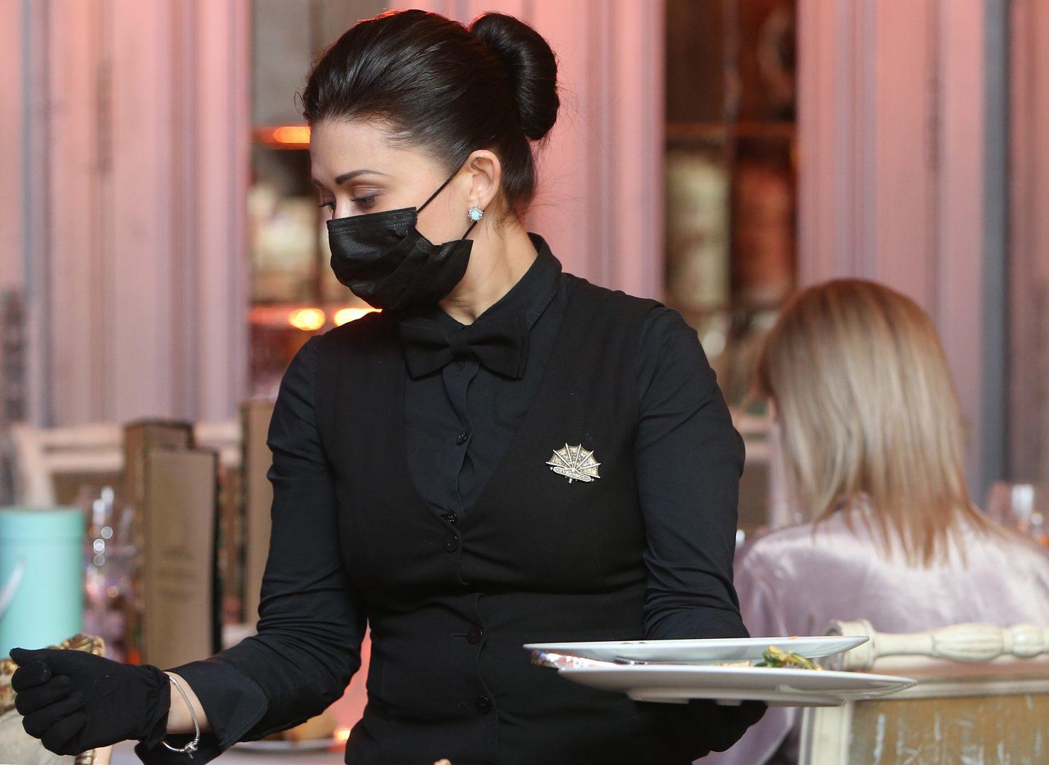 """Посетители работавшего ночью высотного ресторана в """"Москва-Сити"""" подрались, покидая заведение в момент рейда. Фото: архив"""
