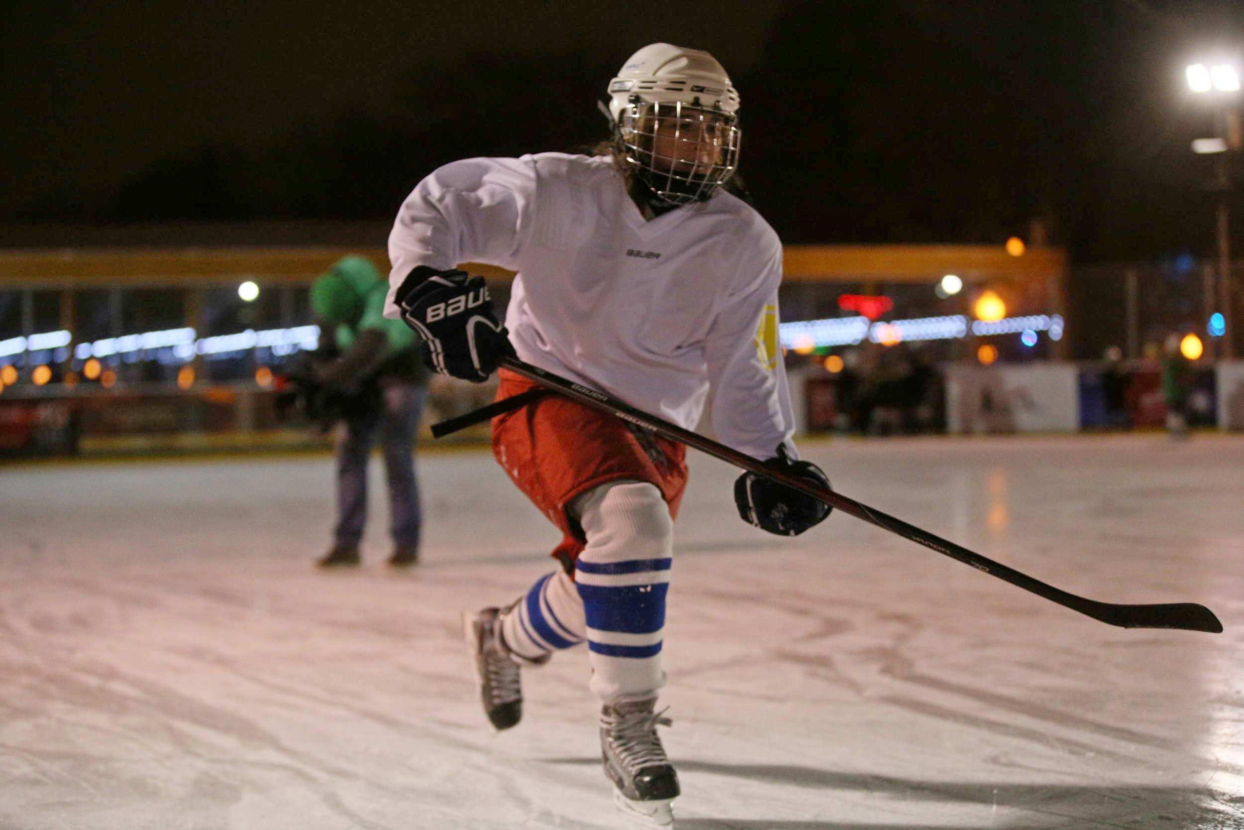 Спортсмены из поселения Вороновское победили в первой игре нового хоккейного сезона