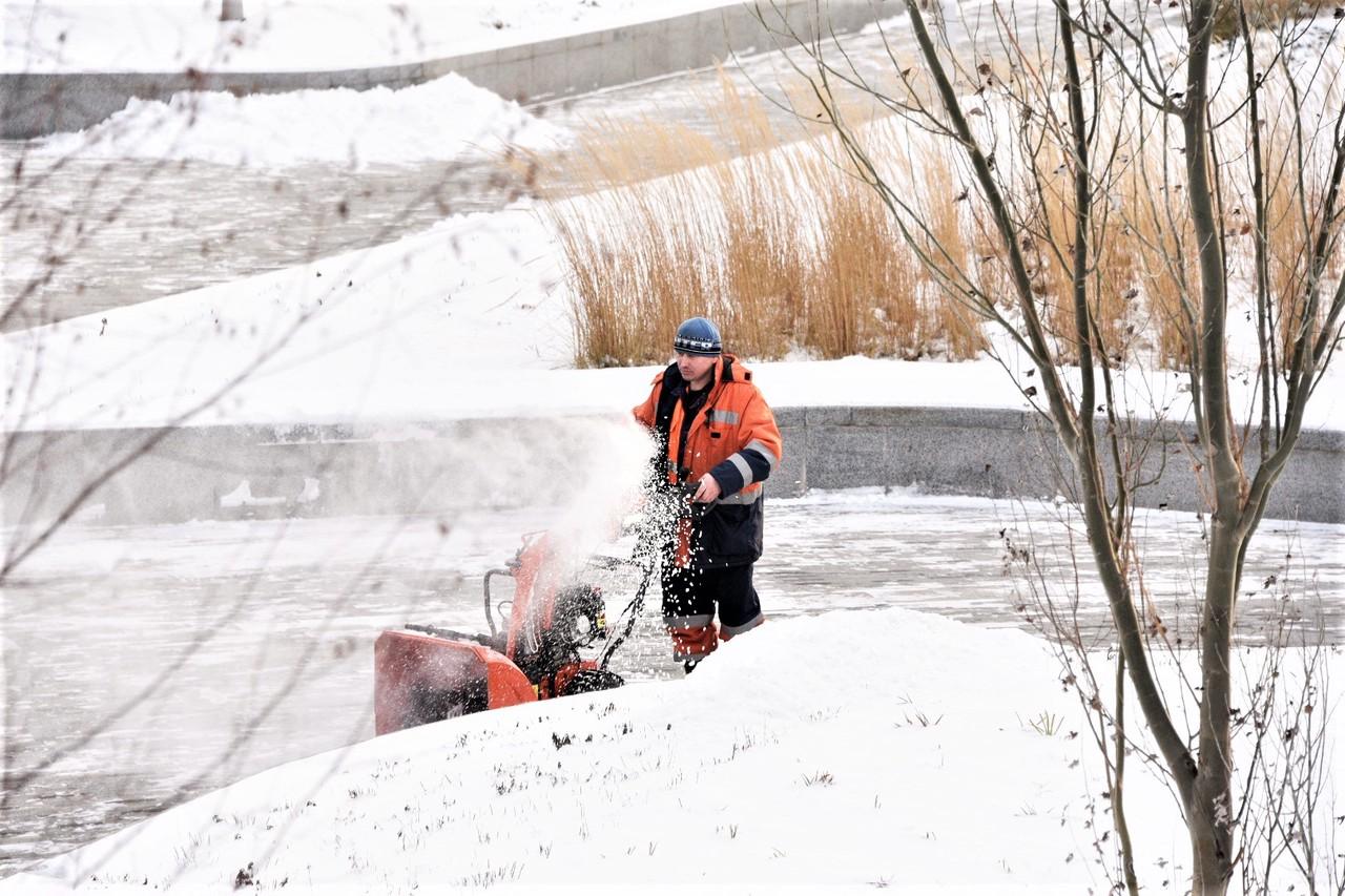 Свыше 60 тысяч человек задействовали для ликвидации последствий снегопада в Москве