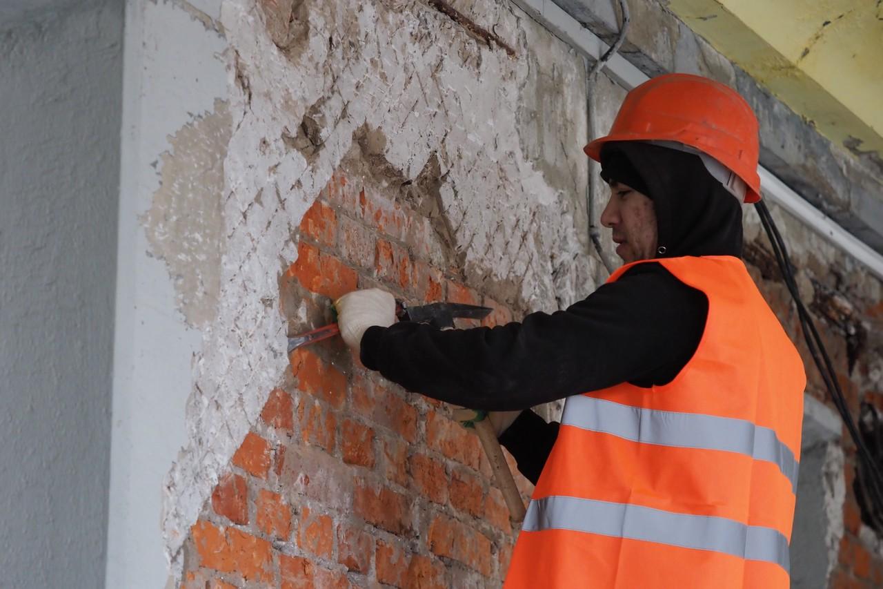 Демонтажные работы в рамках капитального ремонта в Сосенском завершили более чем наполовину