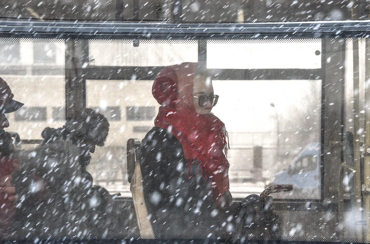 Водителей в Москве попросили пересесть на автобусы из-за плохой погоды
