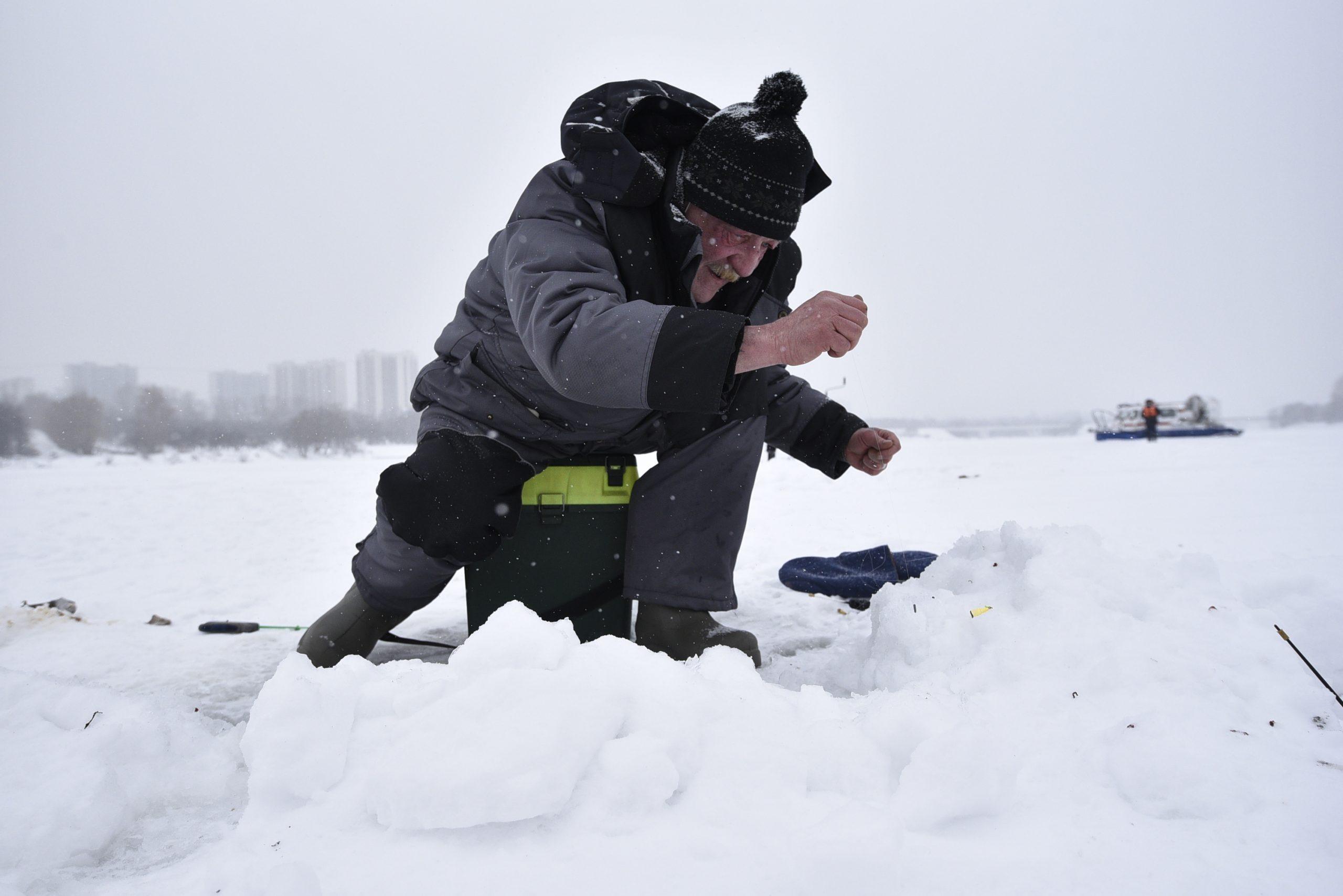 Проверка ледовой обстановки на водоеме прошла в Десеновском