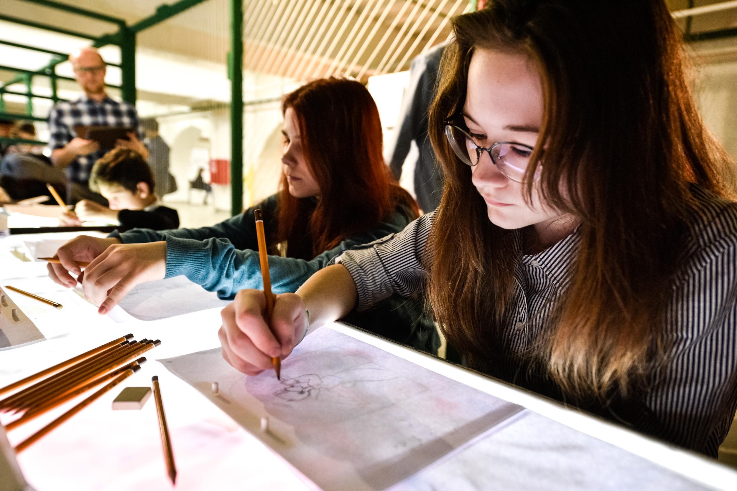 Онлайн-мастер-класс по рисованию проведут в Десеновском