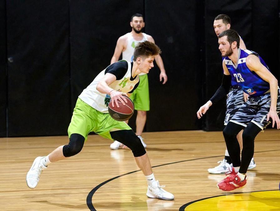 Учитель из Вороновского стал лучшим игроком в финале баскетбольной лиги «Старт». Фото: официальный сайт школы