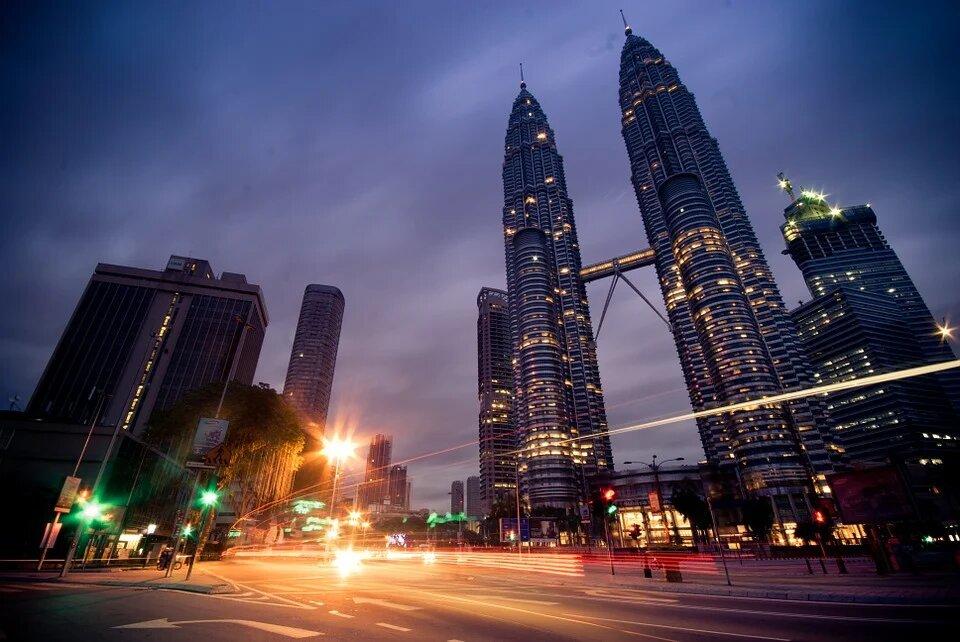 Король Малайзии ввел режим чрезвычайного положения из-за коронавируса до 1 августа