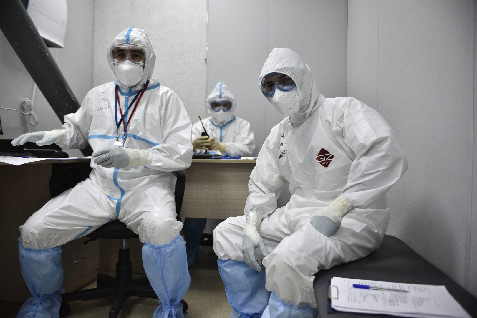 Мэр Москвы Сергей Собянин поблагодарил врачей за вклад в борьбу с пандемией