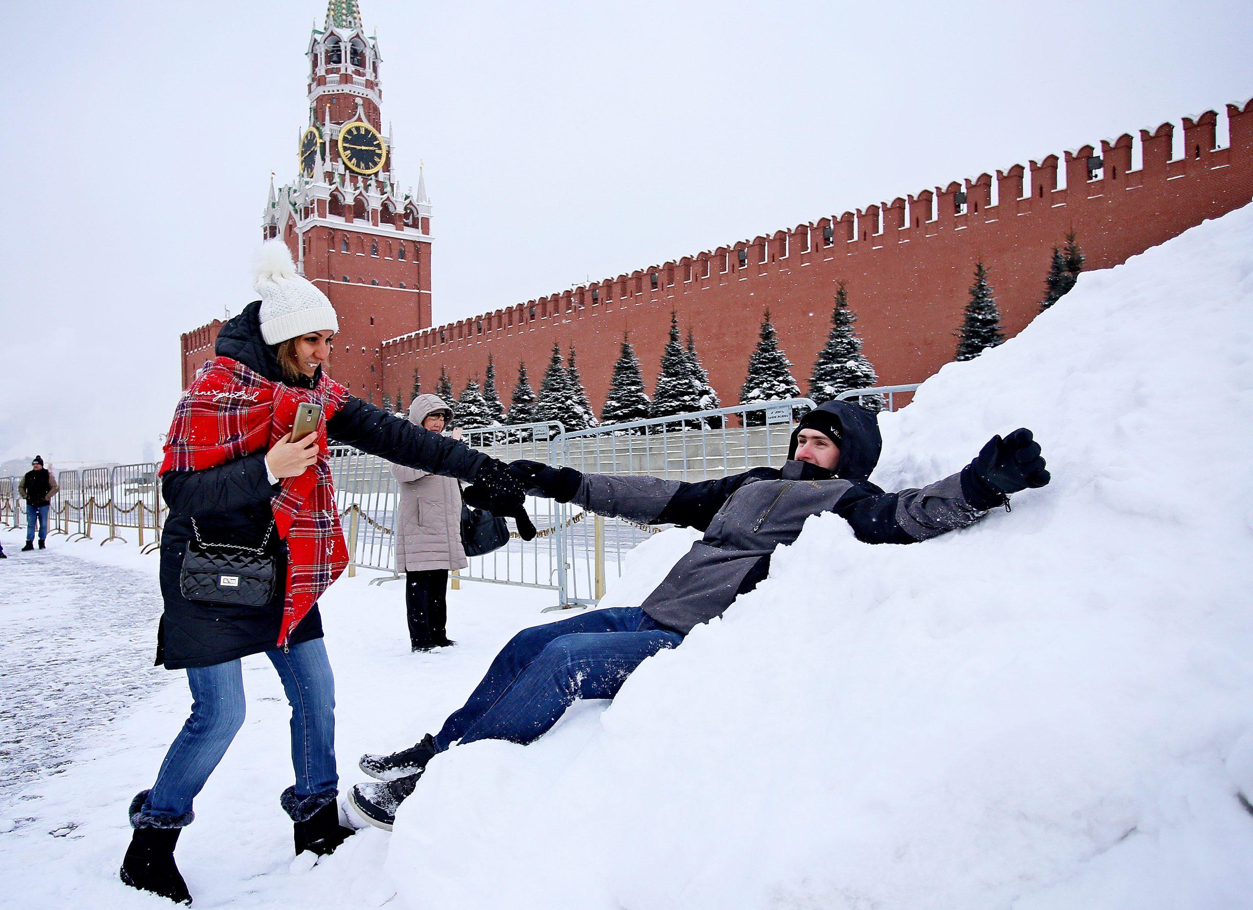 Москвичей напугали снегопадом, гололедом и оттепелью за одни сутки