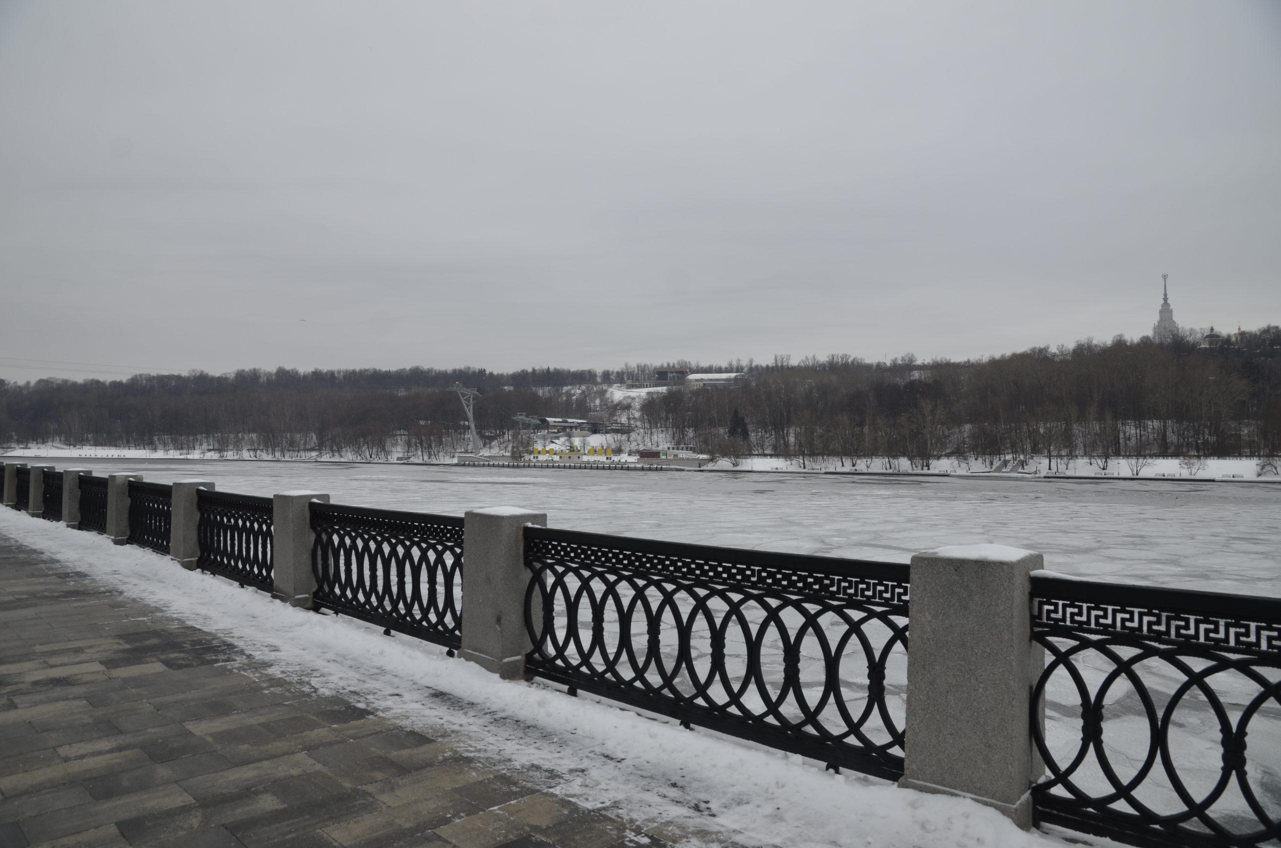 Сугробы в Москве уменьшатся еще на 10 сантиметров к выходным