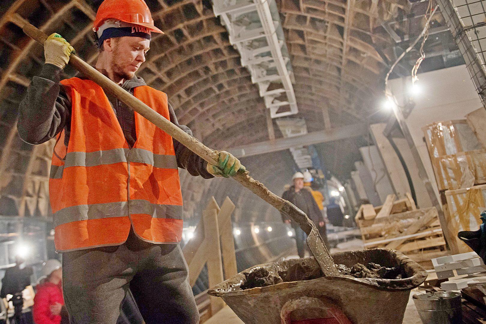Началось строительство левого тоннеля между станциями «Мамыри» и «Бачуринская». Фото: Наталья Феоктистова, «Вечерняя Москва»