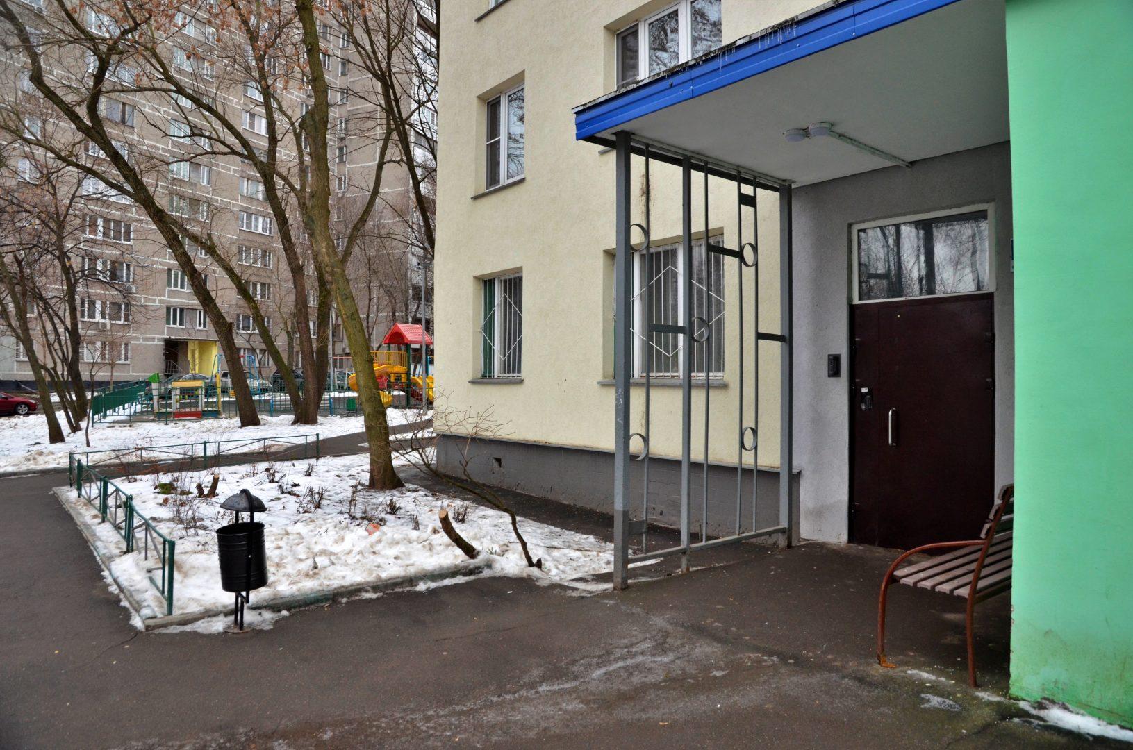 Специалисты провели мониторинг многоквартирных домов в Роговском на предмет сохранности теплового контура. Фото: Анна Быкова
