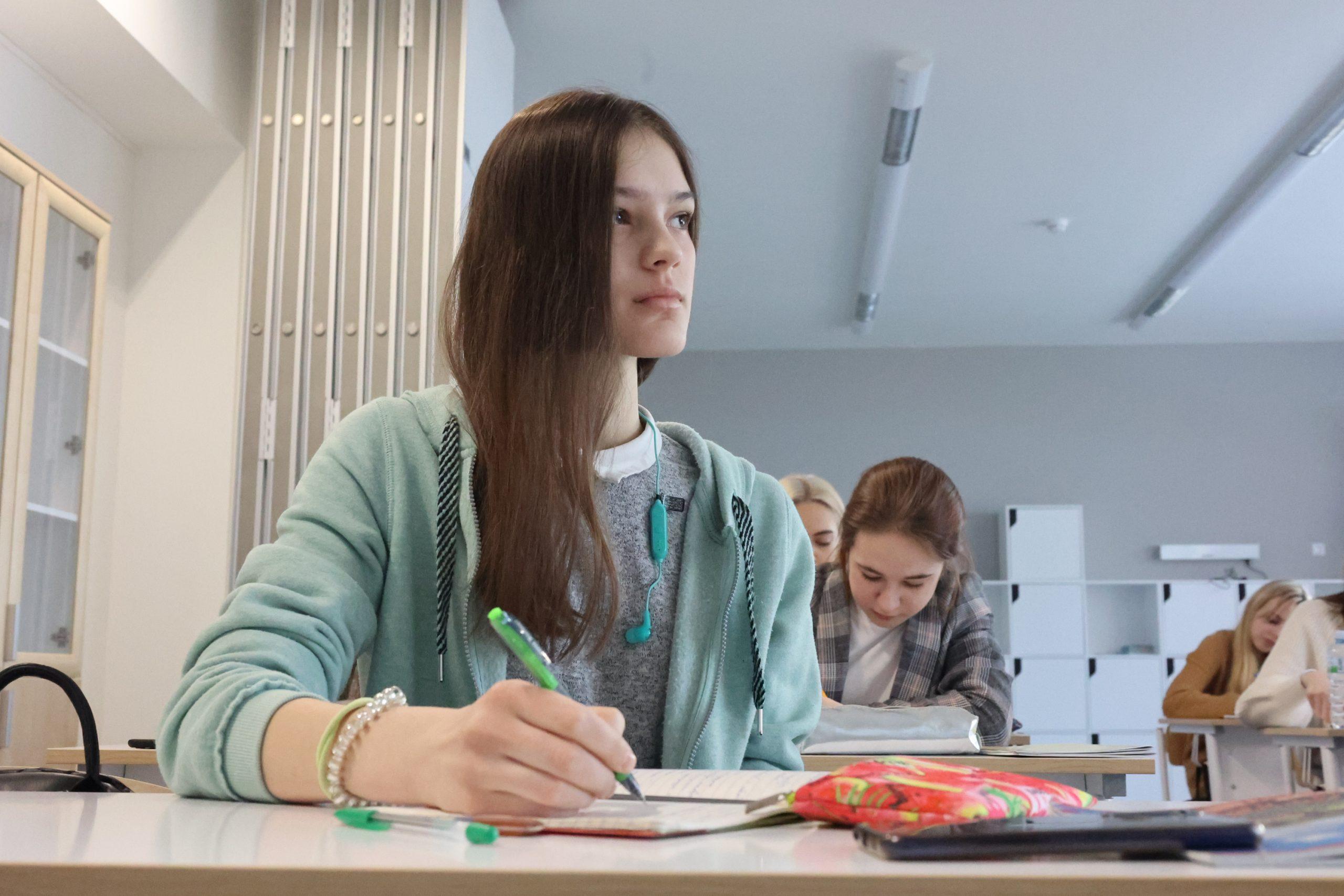 Ученикам школы №2120 поселения Московский рассказали об основах пожарной безопасности