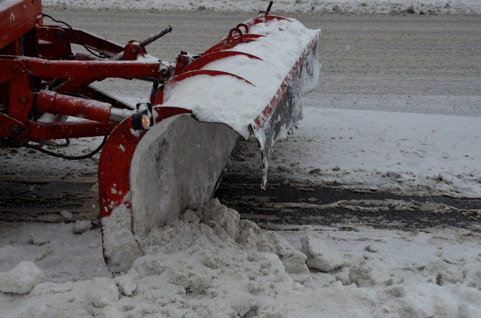 Коммунальные службы Щербинки приступили к уборке снега. Фото Светлана Колоскова «Вечерняя Москва»