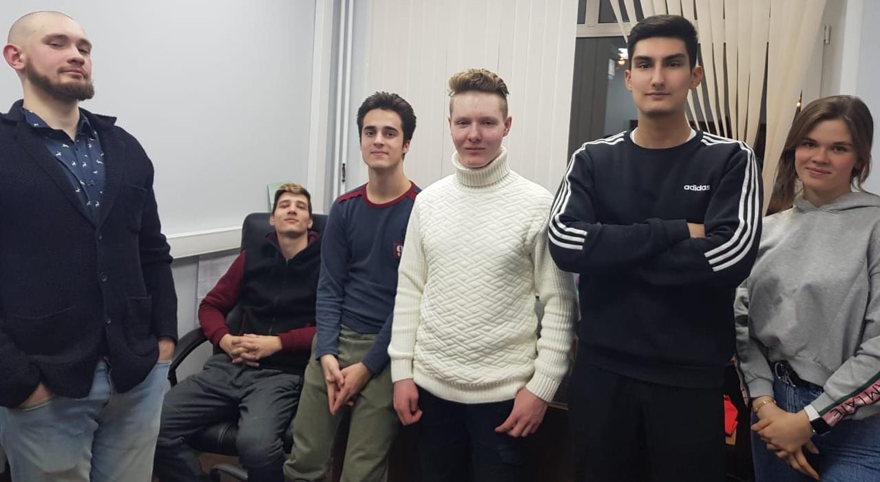 Молодые парламентарии из Краснопахорского обсудили план мероприятий на февраль 2021 года. Фото предоставили представители Молпалаты