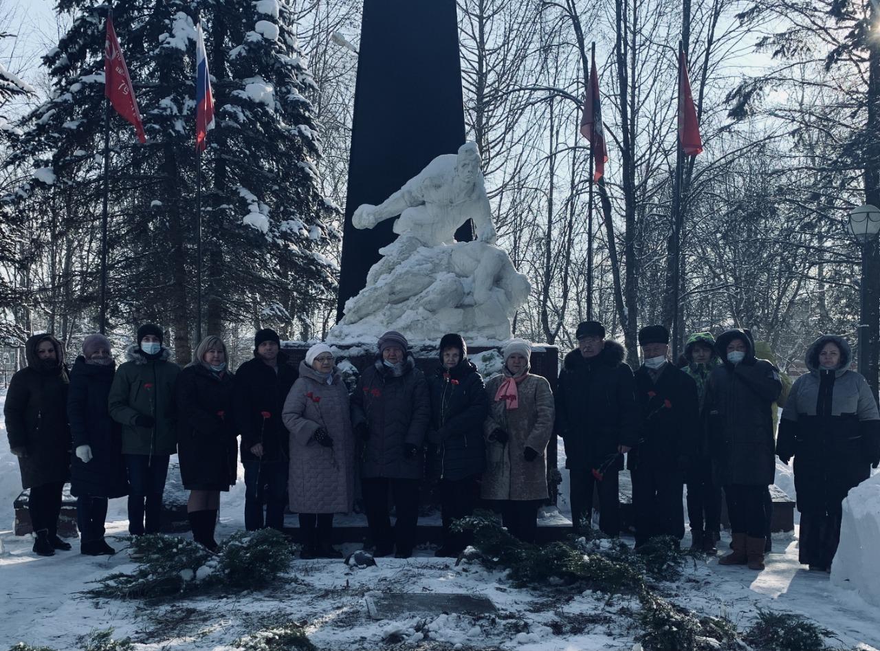 Мемориально-патронатную акцию провели в поселении Роговское. Фото: предоставили сотрудники администрации
