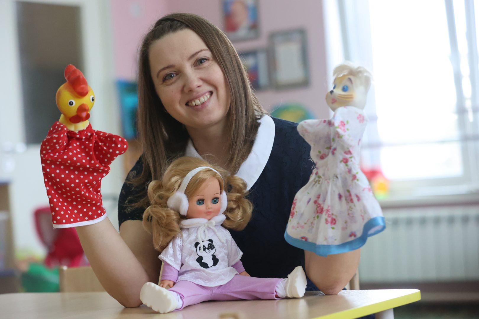 Воспитатель подготовительной группы Наталья Седова. Фото: Виктор Хабаров, «Вечерняя Москва»