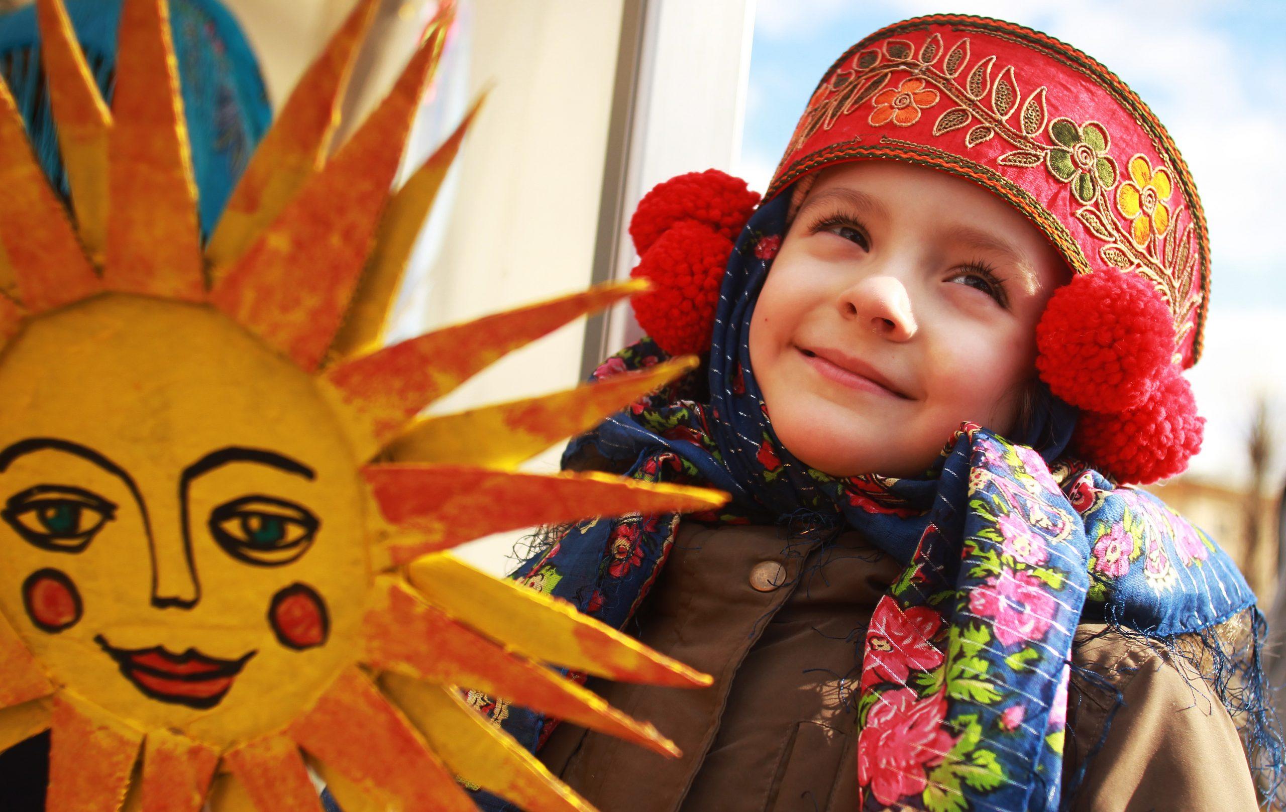 Масленичную неделю начали сотрудники Культурного центра «Ватутинки» в Десеновском